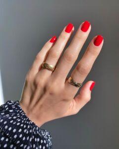 Φωτεινά Κόκκινα νύχια 2021 - Irida spa