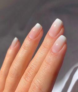 Ombré - Baby Boomer νύχια 2021 - Irida spa